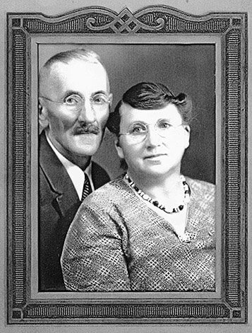 Photo taken around the time of their 40th wedding anniversary in the early 1930′s.